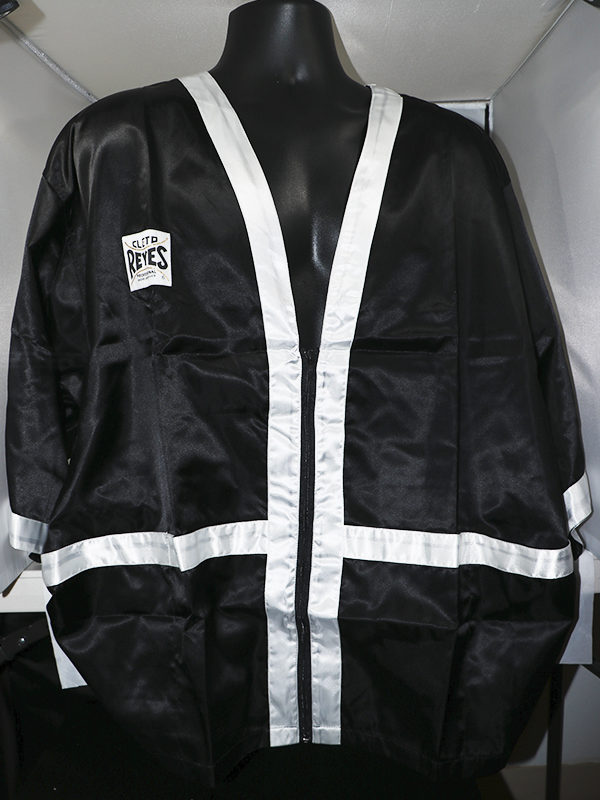 Vintage: Cleto Reyes Corner Man Satin Robe